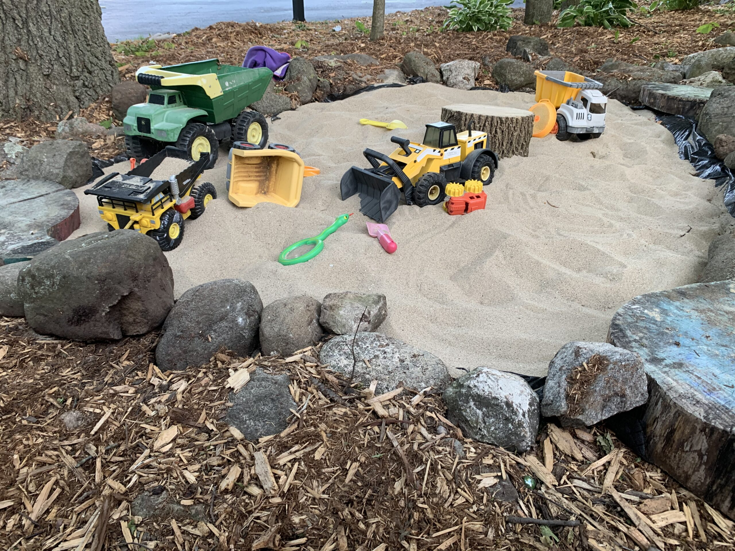 outdoor play sandbox toddlers